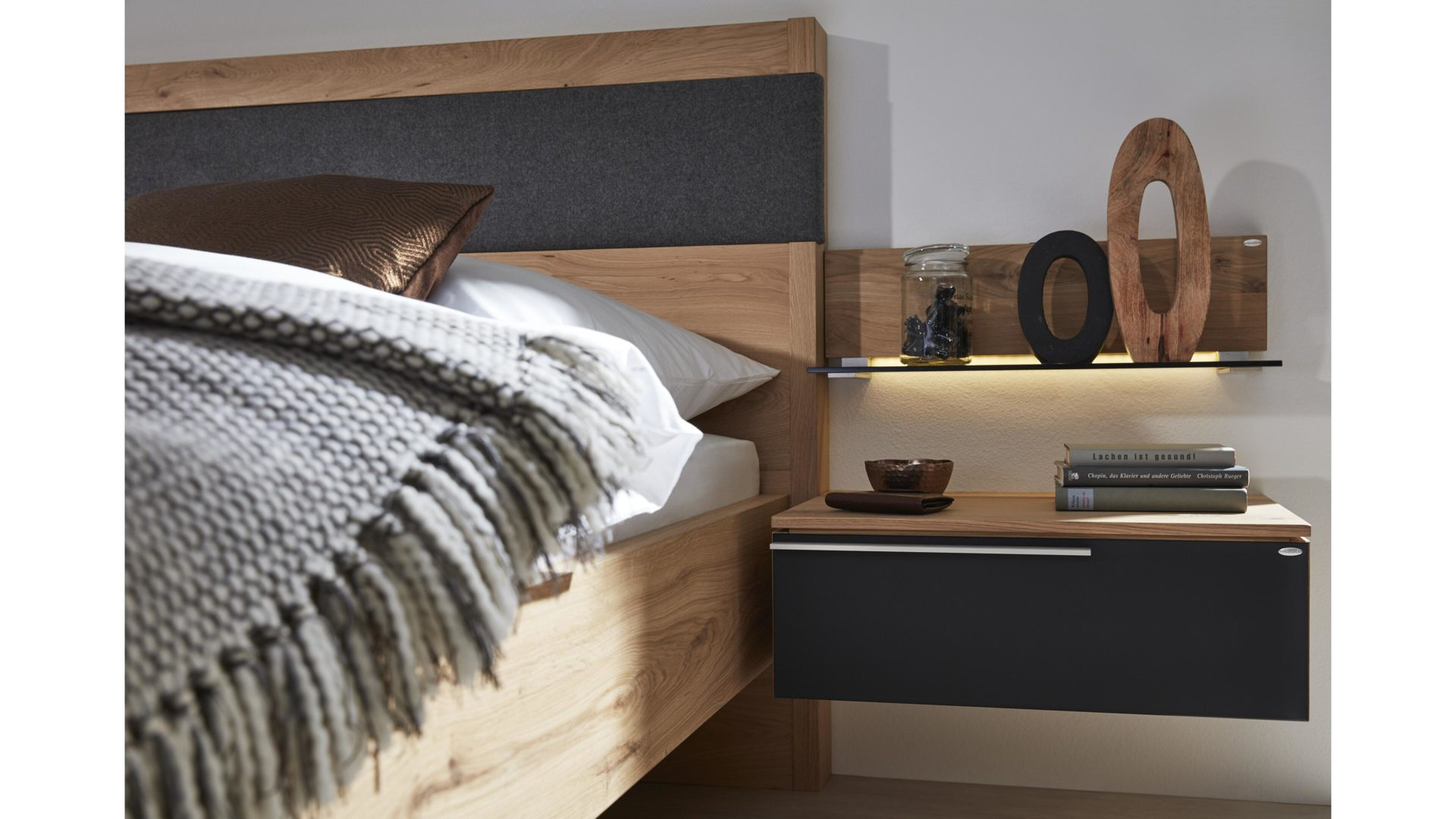 Möbel Bohn Crailsheim, Räume, Schlafzimmer, Nachttische + ...